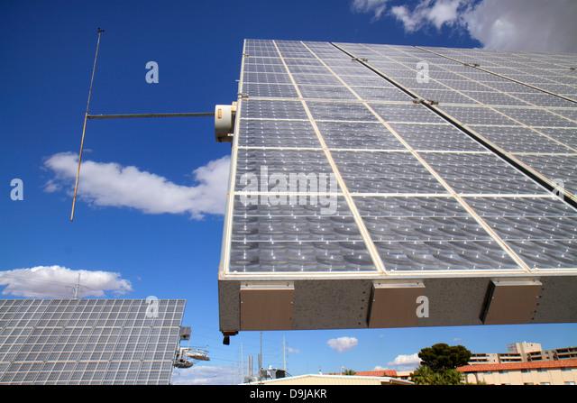 Nevada Las Vegas UNLV University of Nevada Center for Energy Research solar technology testing Amonix 7700 flat - Stock Image