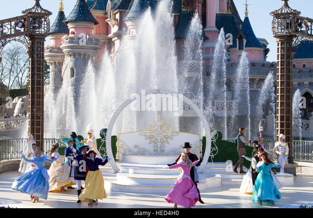Royal Christmas wishes at Disneyland Paris Marne La Vallee France - Stock Image