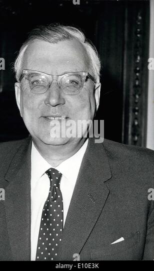 May 05, 1972 - Minister of State for Foreign Affairs and Commonwealth Affairs. Photo shows Pictured today at the - Stock Image