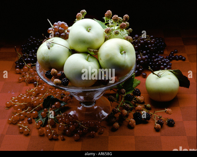fruit bowl with apples and raspberries - Stock Image