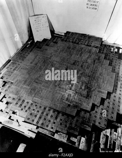 Photograph made during the construction of the Chicago Pile-1 (CP-1), the first nuclear reactor. It was a pile of - Stock-Bilder