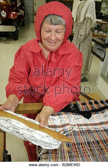 Indiana Portage Countryside Park Alton Goin Historical Museum regional history heritage loom woman senior prairie - Stock Image
