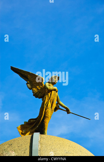 statue of an angel on a mausoleum, Recoleta Cemetery, Buenos Aires, Argentina - Stock Image