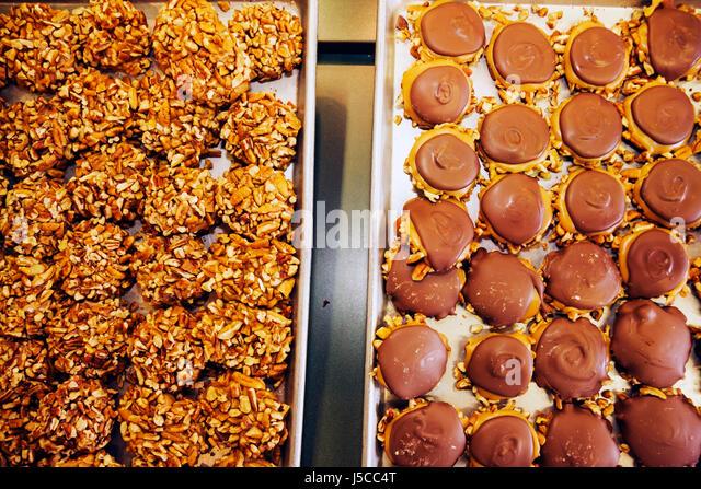 Savannah Georgia Savannah Historic District National Historic Landmark City Market Savannah's Candy Kitchen - Stock Image