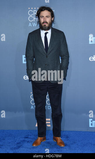 Santa Monica, California, USA. 11th Dec, 2016. Casey Affleck arrives for the 22nd Annual Critics' Choice Awards - Stock-Bilder