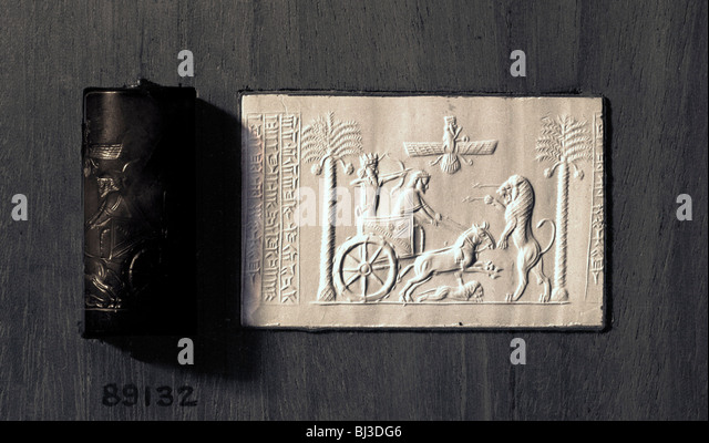 Agate cylinder seal and impression depicting the Persian King Darius, 521-485 BC. Artist: Werner Forman - Stock Image