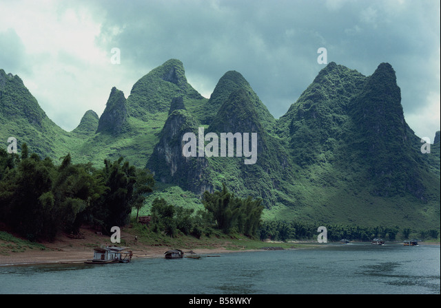 The River Li between Gweilin and Yangshuo in Guangxi Province, China - Stock Image