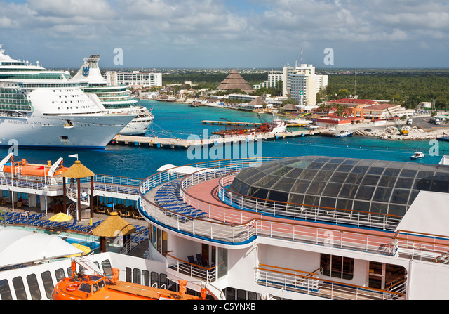 Royal Caribbean Cruise Ships Cozumel Stock Photos Amp Royal Caribbean Cruis