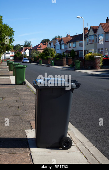 Kerbside recycling bins stock photos kerbside recycling bins stock images alamy - Rd rubbish bin ...
