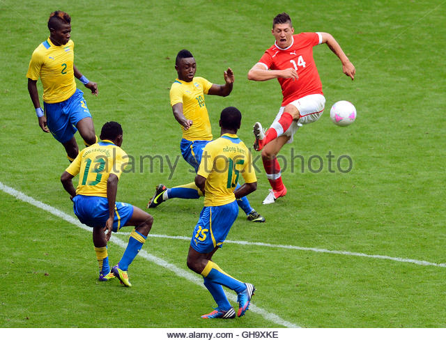 Didier Ndong Wallpaper: Levy Madinda Stock Photos & Levy Madinda Stock Images