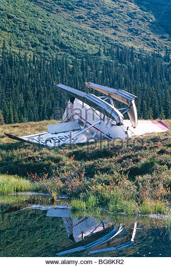 Alaska, Denali National Park, Wonder Lake. Crashed bush plane. - Stock Image