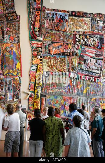 Ohio Cincinnati National Underground Railroad Freedom Center Raggannon hanging textile fiber art tour group - Stock Image