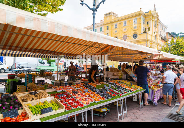 Fruit and vegetable market, Cours Saleya, Old Town, Vieille Ville, Nice, Cote d'Azur, Alpes-Maritimes, French - Stock-Bilder