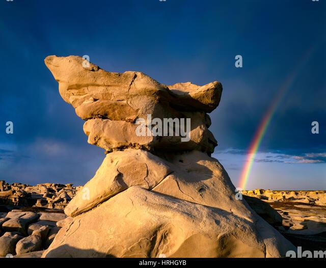 Rainbow over pinnacles, Bisti Wilderness, New Mexico, BLM Wilderness near Farmington - Stock-Bilder