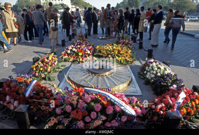 PARIS Tomb of the Unknown Soldier under the Arc de Triomphe - Stock Image