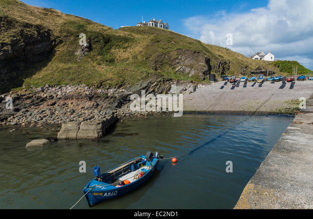 Cove harbour scotland stock photos cove harbour scotland for Blue fish cove