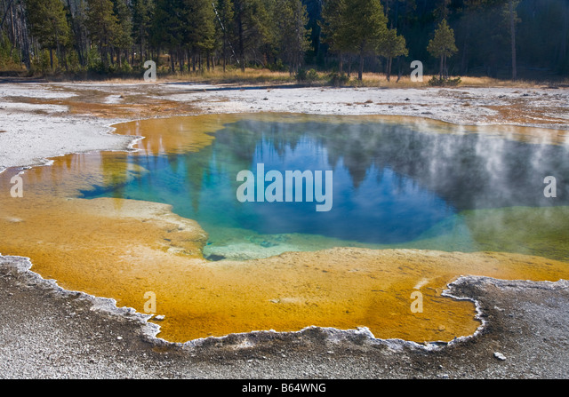 Yellowstone National Park WY: Color and patterns of Emerald pool in the in the Black Sand Basin - Stock Image