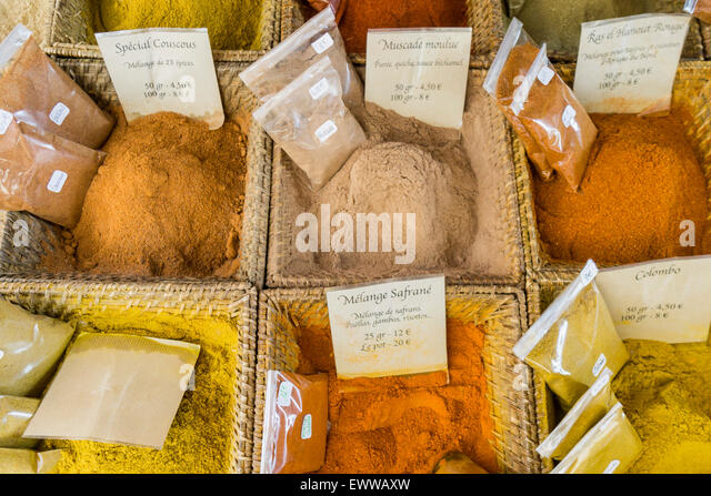 Spices, Curry, Cours de Selaya, Market, Nice, Cote d Azur, Alps Maritime, France - Stock Image