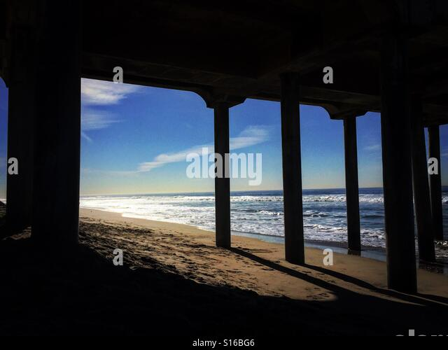 Morning light under pier - Stock-Bilder