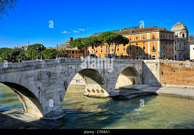 Cestio bridge, Rome, Italy. - Stock Image