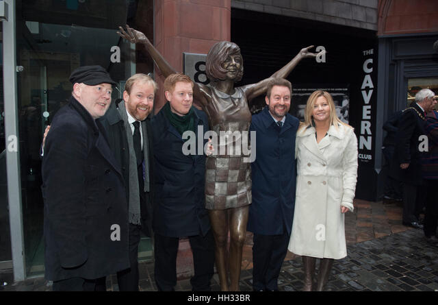 Liverpool, UK. 16th January 2017. Jack, Ben and Robert Willis, sons of the late star, Cilla Black, together with - Stock-Bilder