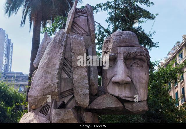 Memorial to the Native people created by E. Villalonos, Plaza de Armas, Santiago, Chile - Stock-Bilder