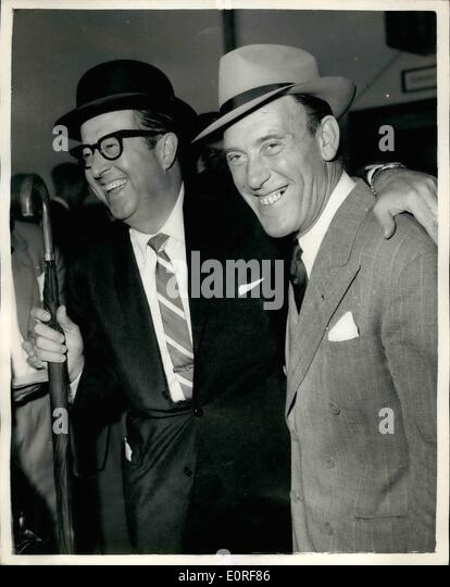 Jun. 06, 1959 - ''Sergeant Bilko'' Arrives - And His Met By Tommy Trinder: The American comedian - Stock Image