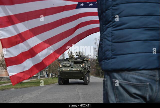 Brandys N.L. St. Boleslav, Czech Republic. 25th Mar, 2017. First part of U.S.-British military convoy is arriving - Stock-Bilder