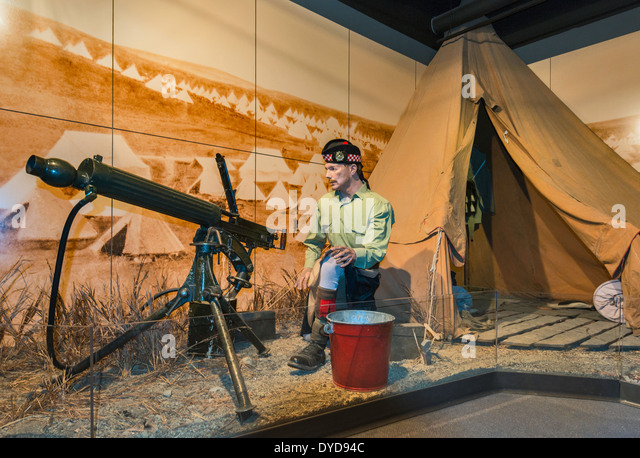 Private with Vickers machine gun in 1930s, diorama, The Calgary Highlanders section at The Military Museums in Calgary, - Stock Image
