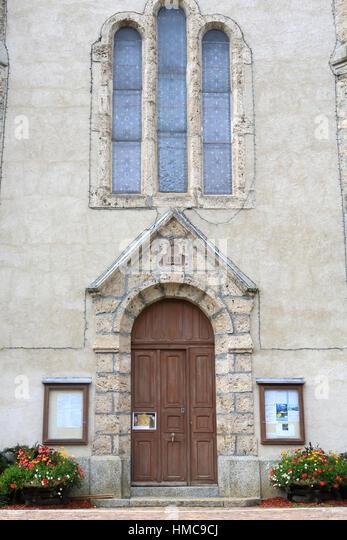 Entrée de l'église Sainte-Marie Madeleine. - Stock Image