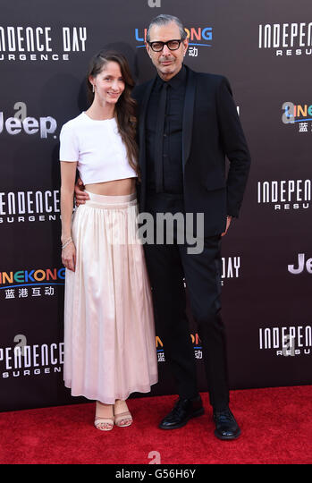 Hollywood, California, USA. 20th June, 2016. Jeff Goldblum & Emilie Livingston arrives for the premiere of the - Stock Image