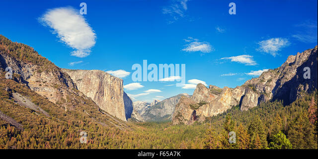 Yosemite Valley from the tunnel view, Yosemite National Park, California, USA. - Stock Image