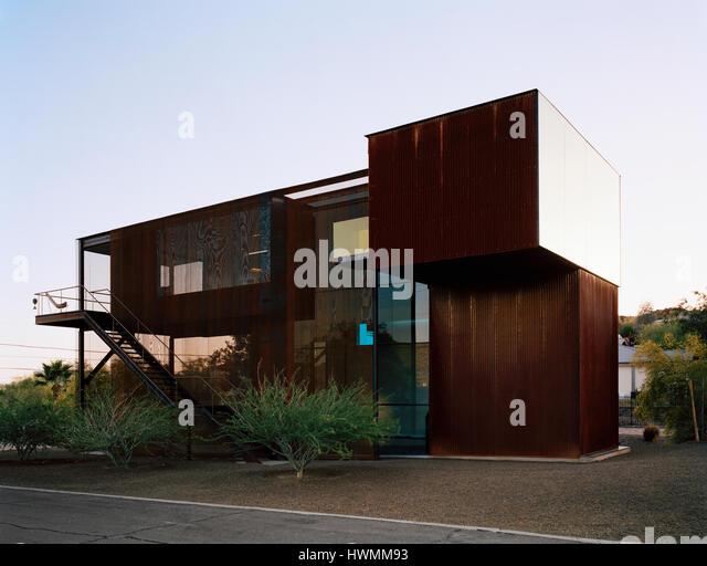 Exterior overall view at dusk. Xeros House, Phoenix, United States. Architect: Blank Studio, 2006. - Stock-Bilder