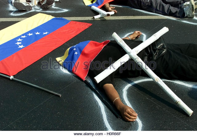 Venezuelans protest on a highway in Caracas, April 11, 2003, on the  anniversary of deaths that occurred during - Stock Image