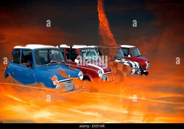 Minis in fire - Stock Image