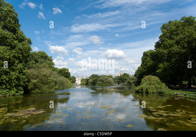 The lake in St James's Park, London, UK - Stock Image
