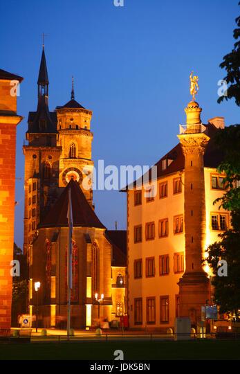 DEU, Deutschland, Stuttgart: Stiftskirche mit Merkursaeule  bei Abenddaemmerung | DEU, Germany, Stuttgart: Stiftskirche - Stock-Bilder