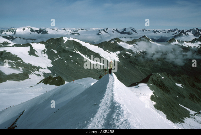 The summit ridge of the Similaun, Ötztal Alps, Austria - Stock Image
