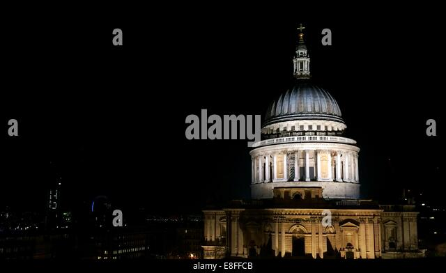 UK, London, Dome of St Paul's Cathedral at night - Stock Image