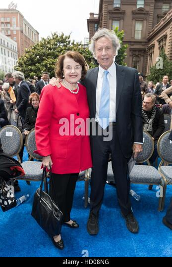 Unveiling for Tony Bennett Commemorative Statue August 19th 2016 at Fairmont in San Francisco, CA  Featuring: Dianne - Stock Image