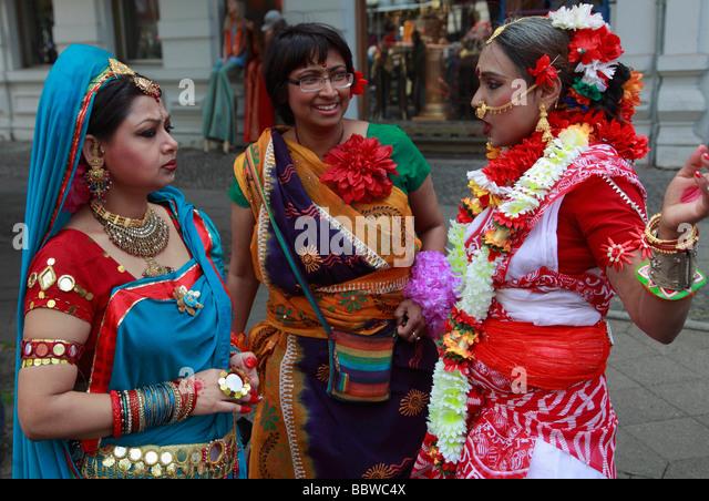 Germany Berlin Carnival of Cultures indian women in traditional dress - Stock-Bilder