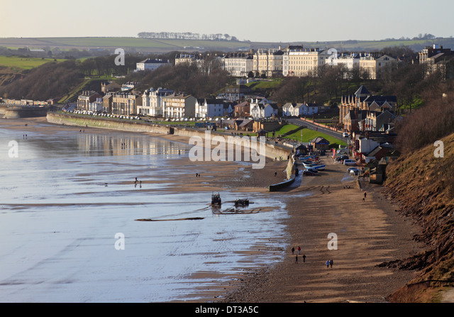 Filey foreshore on a sunny winters day at low tide, Filey, North Yorkshire, England, UK. - Stock Image