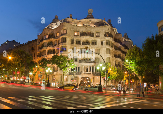 Casa Mila by Gaudi at twilight, laterne, Passeig de Gracia, - Stock Image