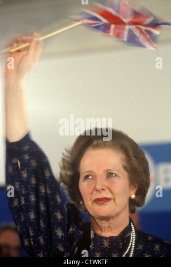 Mrs Margaret Thatcher 1983 election waving Union Jack flag with tears in her eyes. - Stock-Bilder
