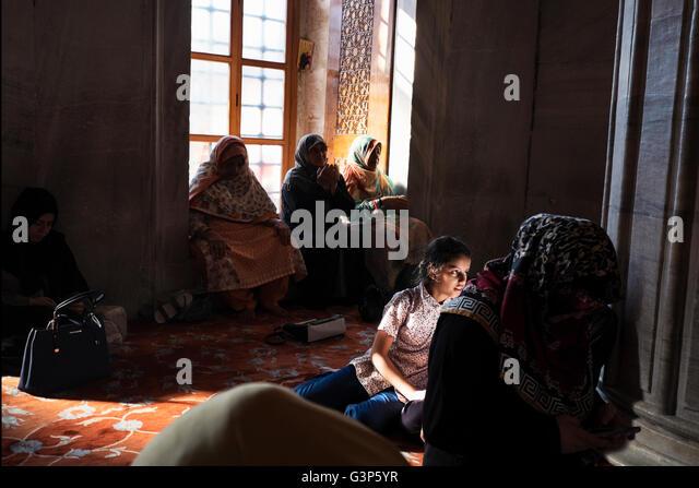 istanbul muslim girl personals Turkish muslim matrimonial 436 likes sweet single girl from turkey is seeking muslim matrimonial in turkey turkish muslim matrimonial added 2 new photos.