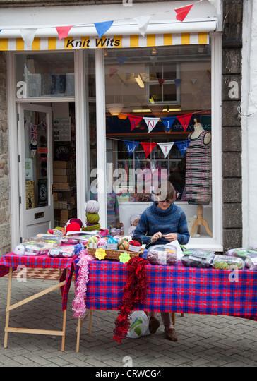 Knitting Groups Sydney : Lady knitting stock photos images