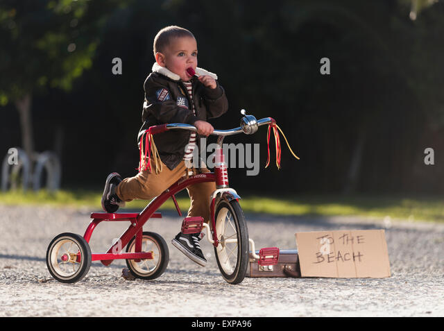 Young boy on his bicycle. - Stock-Bilder