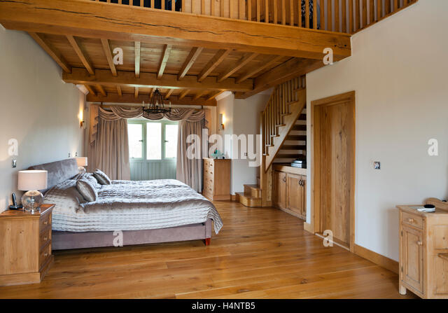 Mezzanine stock photos mezzanine stock images alamy for How to build a mezzanine floor for bedroom