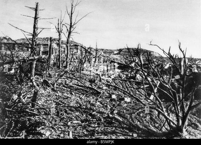 9 1916 3 15 A1 E Battle near Verdun View of Fort Vaux World War I Western Front Battle near Verdun 1916 View of - Stock-Bilder
