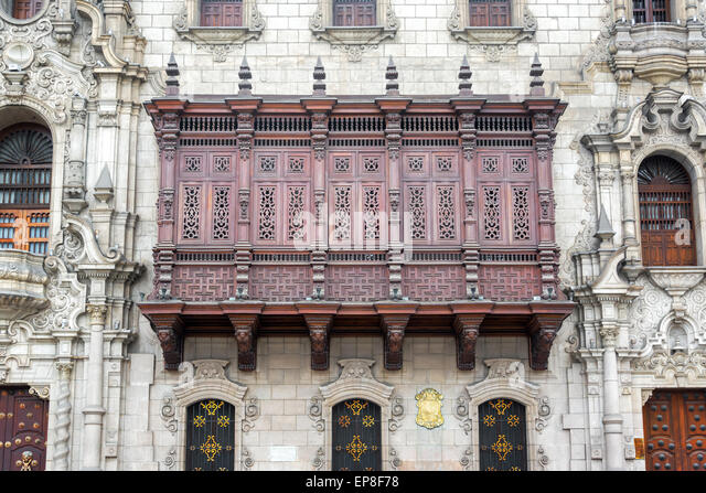 Historic architecture on the Plaza Mayor in the historic center of Lima, Peru - Stock Image